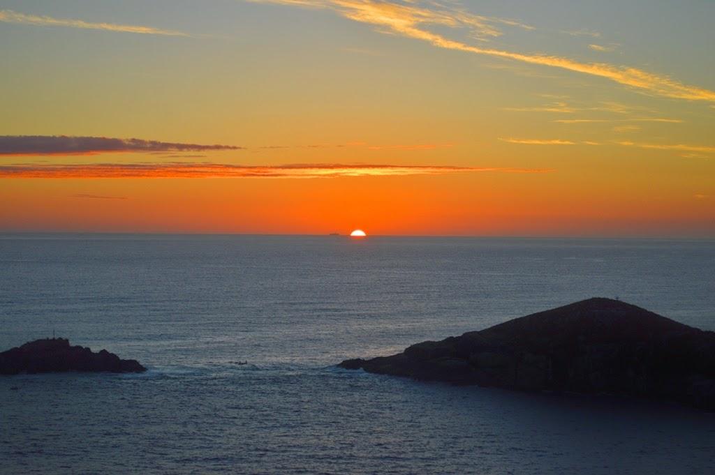 9796f43bc Onde ver o melhor pôr do sol em Arraial do Cabo, RJ: Pontal do ...